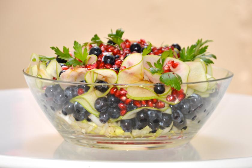 Ensalada de otoño con granada y uvas